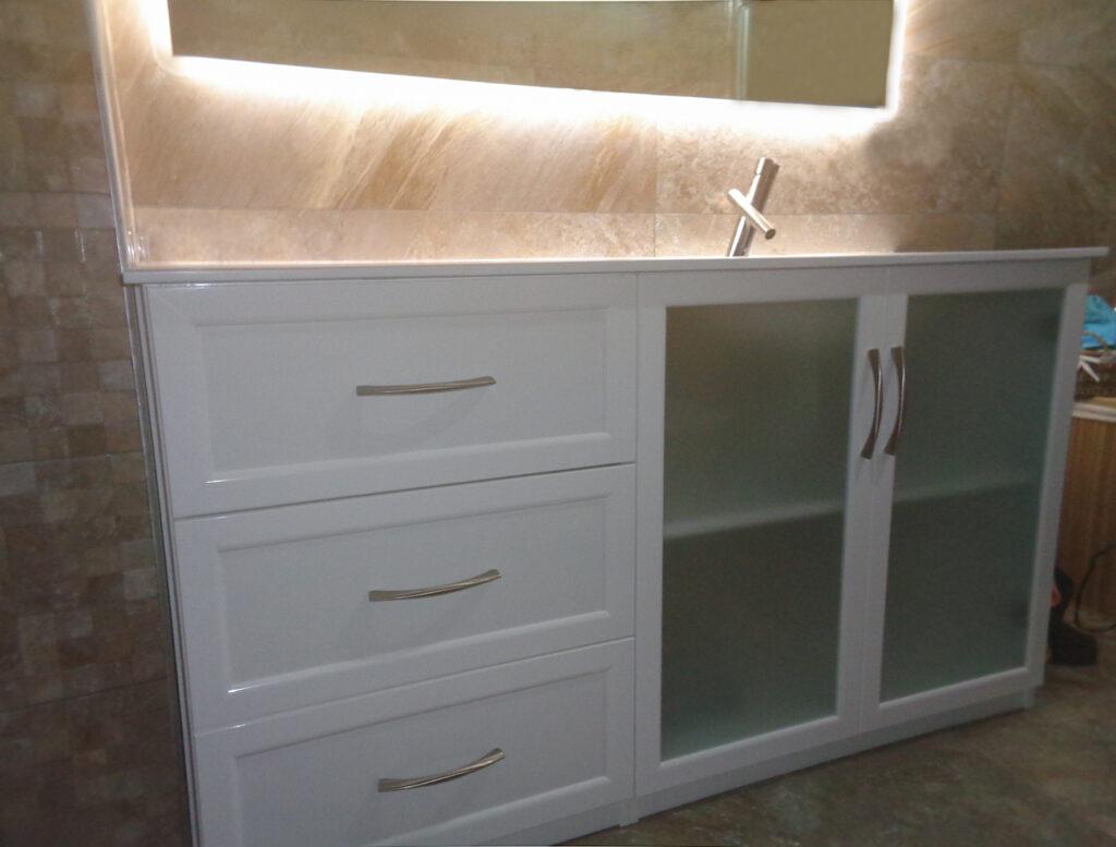 muebles de aluminio para baño